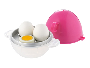 No more boiling, just nuke it! Ezegg Boiled Egg Cooker in Microwave